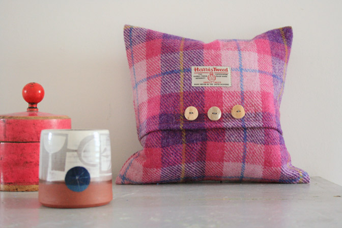 Hydrangea Harris Tweed Cushion (Small)